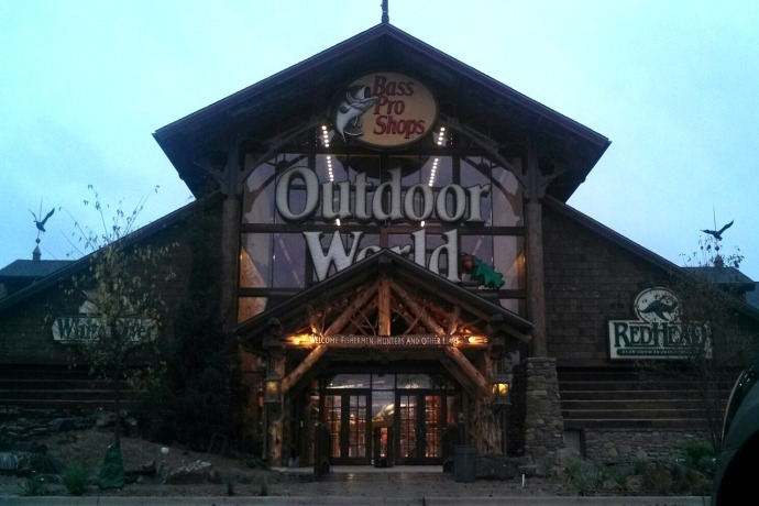 Bass Pro Shops Store Front Large Graphic_-6898302425153712942