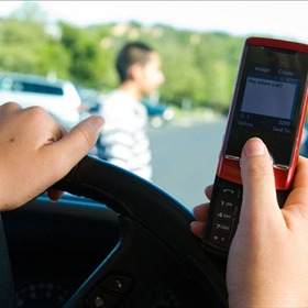 Texting and Driving_-3579429694398119101