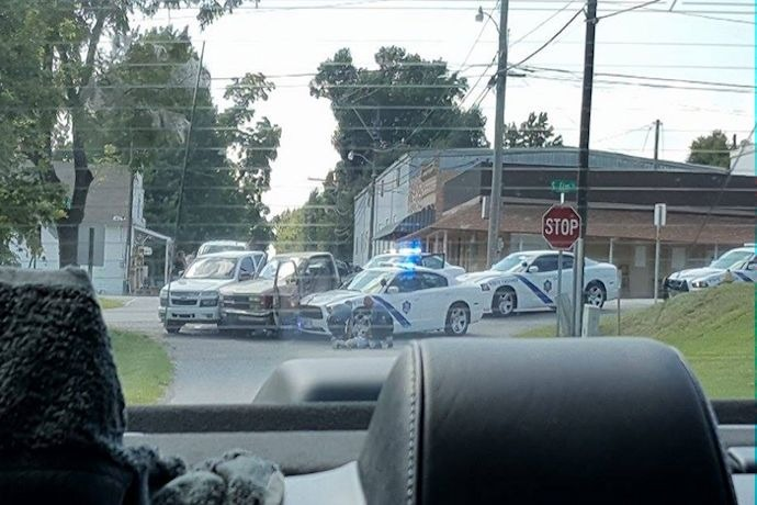 Elm Springs police chase ends in crash_6400465832226341962