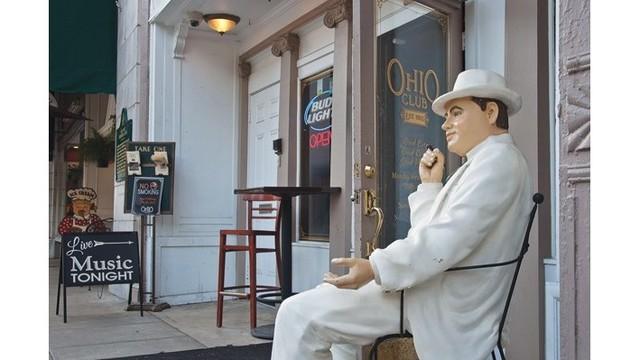 Capone statue_1560276685030.jpg.jpg