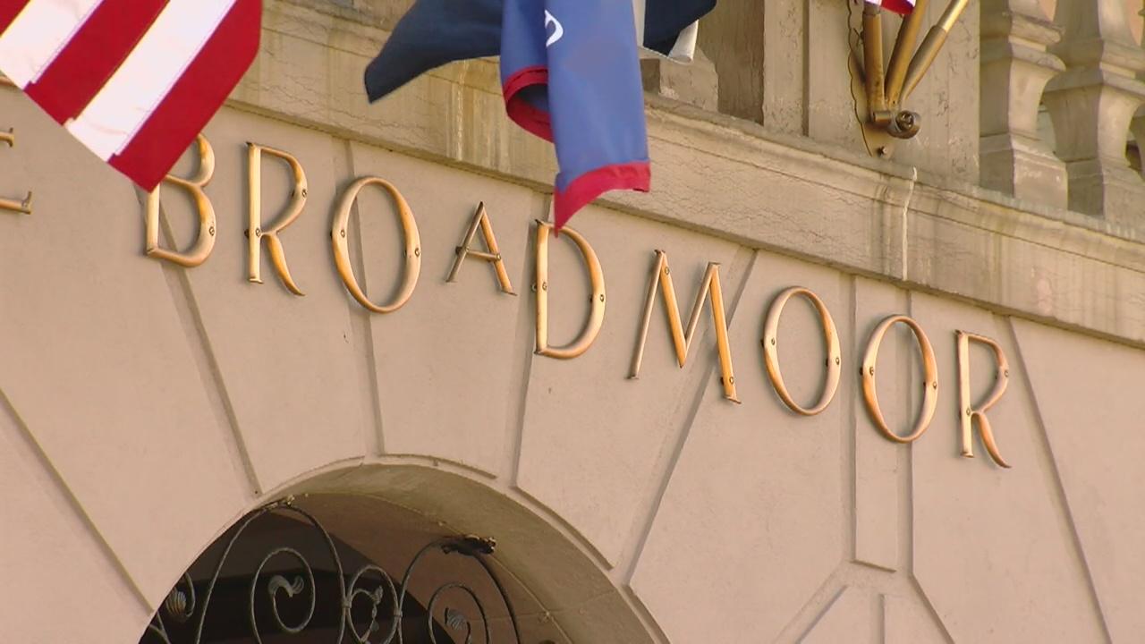 the broadmoor sign_340326