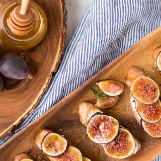 Fig and Goat Cheese Crostini with Honey
