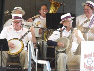 2014-concerts-04-good-tymes-banjo-02
