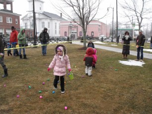 2015-easter-egg-hunt-104