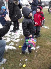 2015-easter-egg-hunt-115