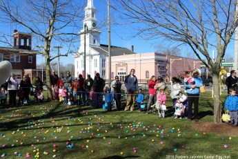 2016-easter-egg-hunt-5047