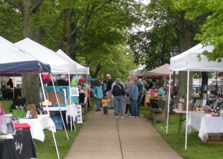 2011-jaycee-vendor-fair-11.jpg