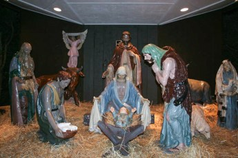 completed-nativity-020