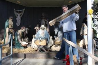 2011-christmas-nativity-09