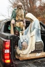 2015-nativity-setup-017
