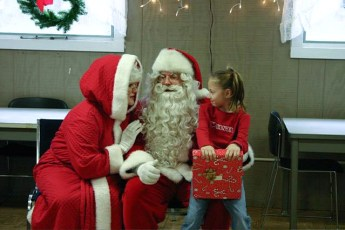 2006-kids-christmas-party-28