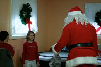 2008-kids-christmas-party-107