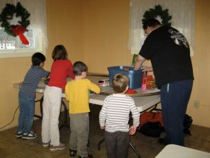 2008-kids-christmas-party-47