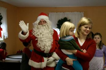 2008-kids-christmas-party-75
