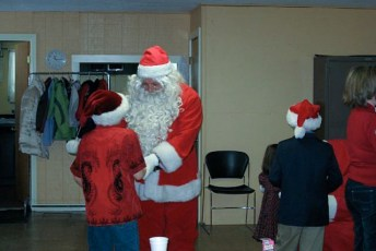 2008-kids-christmas-party-87