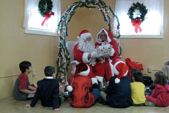 2008-kids-christmas-party-90