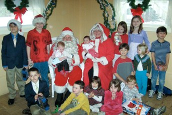 2008-kids-christmas-party-96