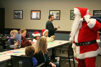 2010-kids-christmas-party-135