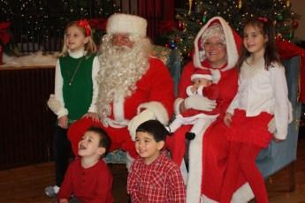 2012-030-jaycee-christmas-kids-party