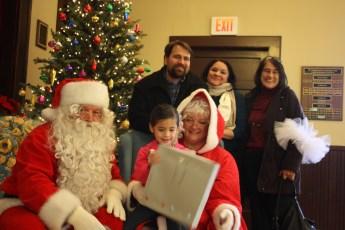2012-039-jaycee-christmas-kids-party