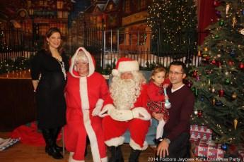 2014-jaycee-christmas-kids-party-011
