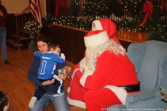 2014-jaycee-christmas-kids-party-040