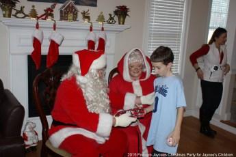 2015-jaycee-christmas-kids-party-031