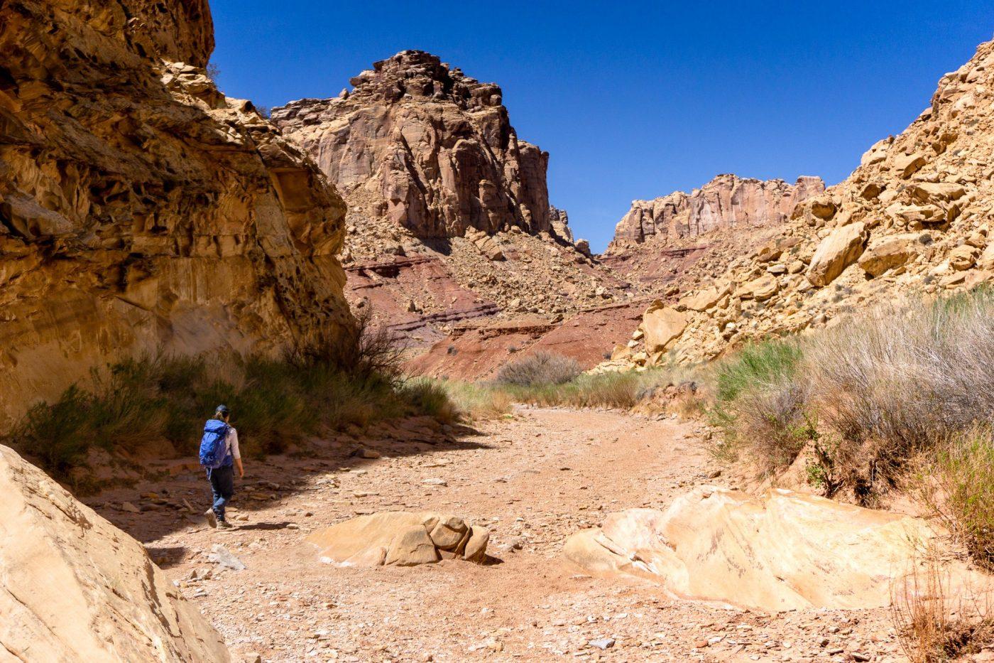 Chute canyon scrambling