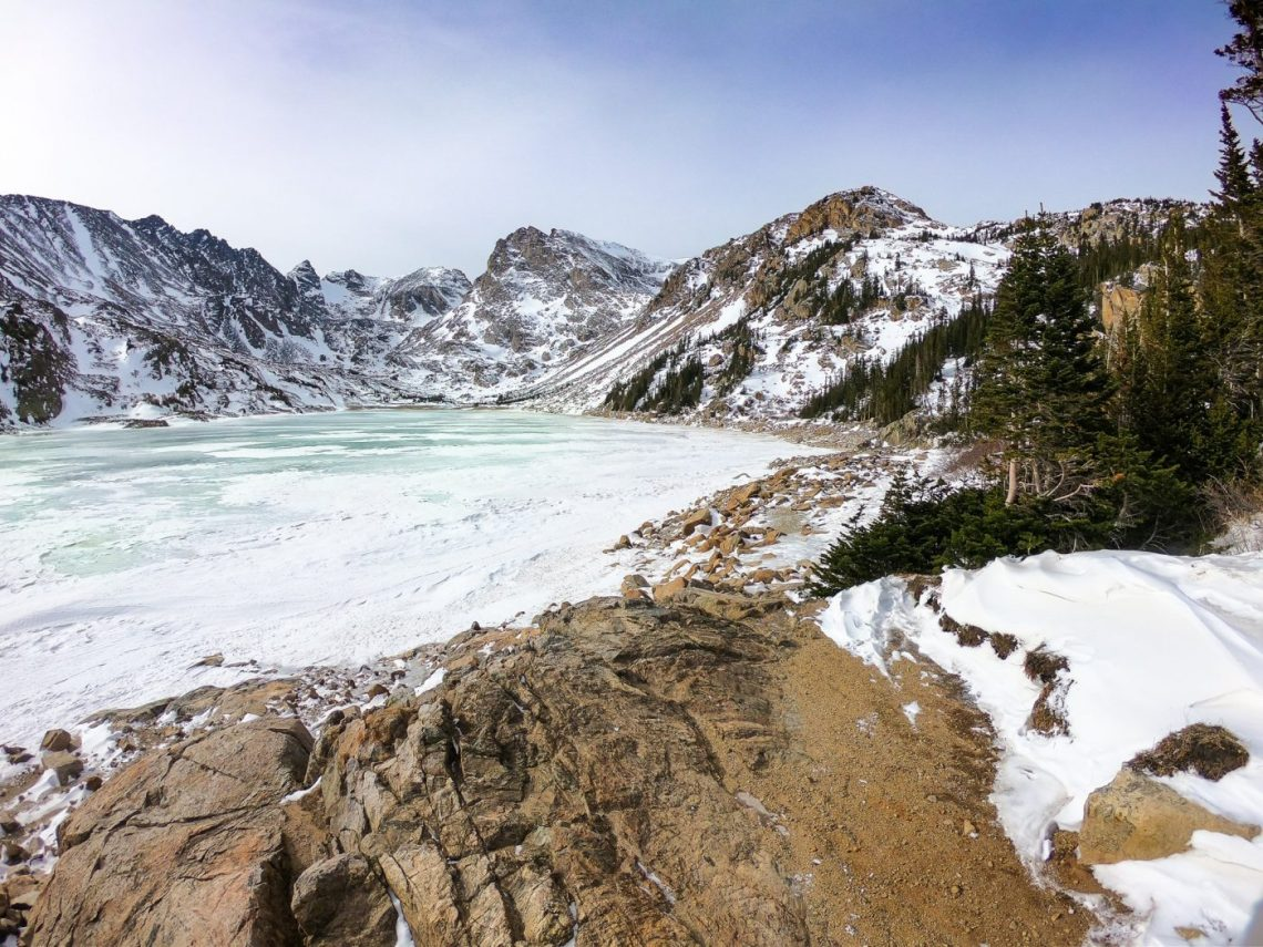 stay warm while winter hiking
