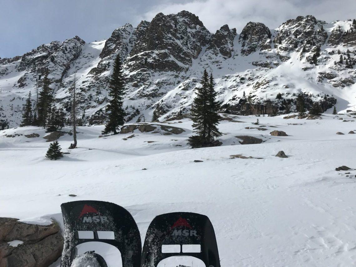 keep your feet warm while winter hiking