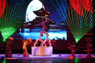 china-urlaub-erfahrungen-peking-drums-bells-tower-theater-artisten-show-15