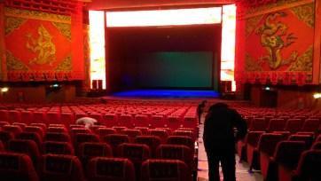 china-urlaub-erfahrungen-peking-drums-bells-tower-theater-artisten-show-93