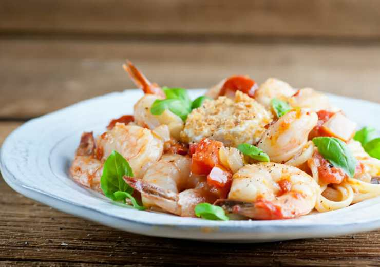 shrimp tomato basil linguine with goat cheese rounds