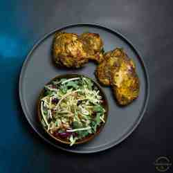delicious chicken thighs with green chutney flavors