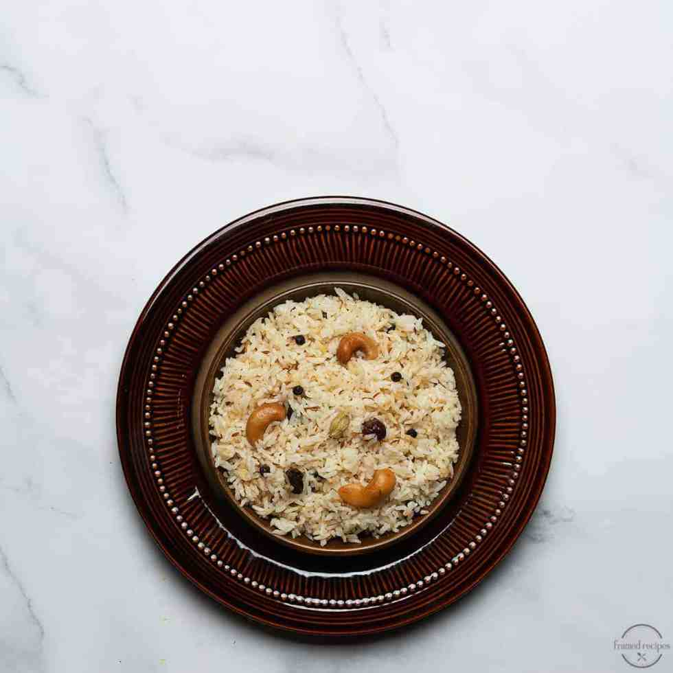 jeera rice made in instant pot garnished with cashews