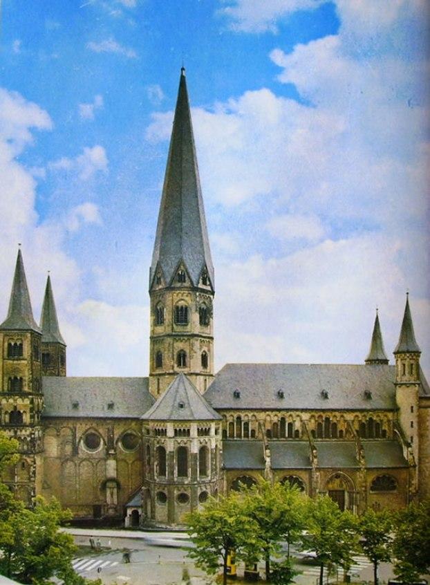 Basilica di Bonn - Das Munster di Bonn