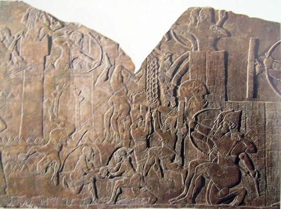 Esercito assiro all'assalto di una fortezza (proveniente dal palazzo di Assurnazipal)