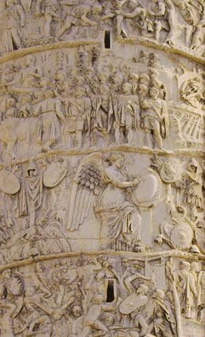 Particolare della colonna Traiana: scena della Vittoria