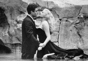"""Marcello Mastroianni e Anita Ekberg in """"La dolce vita"""", regia di Federico Fellini, 1960"""