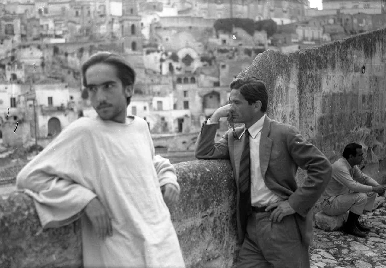 Il Vangelo secondo Matteo. In foto: Pier Paolo Pasolini e Enrique Irazoqui www.centroculturaledimilano.it