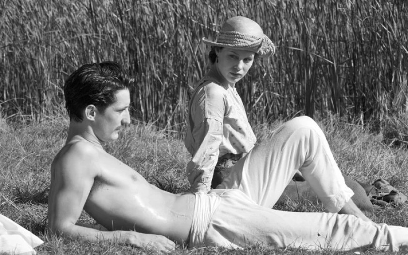 Pierre Niney e Paula Beer in Frantz