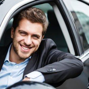 Carro com Motorista Brasileiro a Disposição