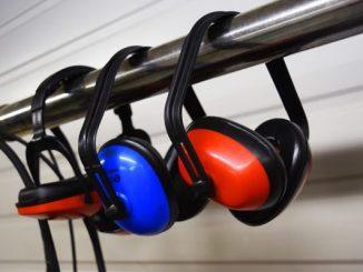 bruit au travail dans le BTP mesures obligatoires de protection et équipement individuelle casque
