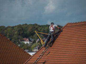 Devenir cordiste artisan qualifié toiture zinguerie formation travail en hauteur