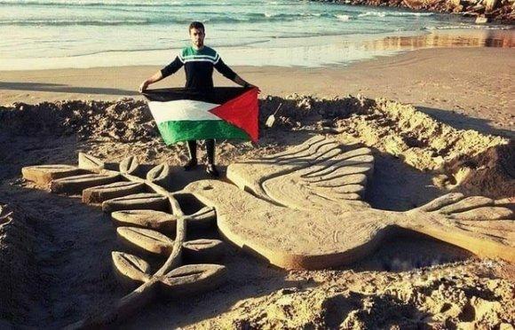 Osama Sbeata s'est fait connaître après avoir créé cette sculpture représentant la colombe de la paix (avec l'aimable autorisation d'Osama Sbeata)