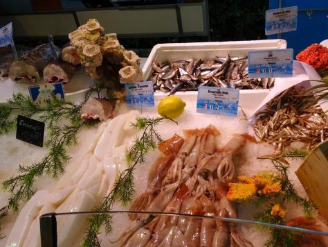 Fresh fish market stand