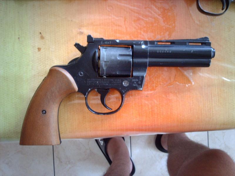 Troc Echange Revolver 9mm A Grenaille Cartouche Rare