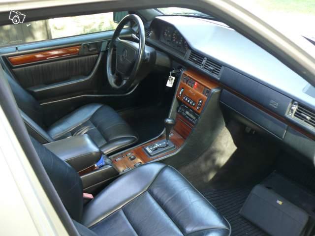 Troc Echange Mercedes Benz W124 Break E300 T 4 Matic Sur