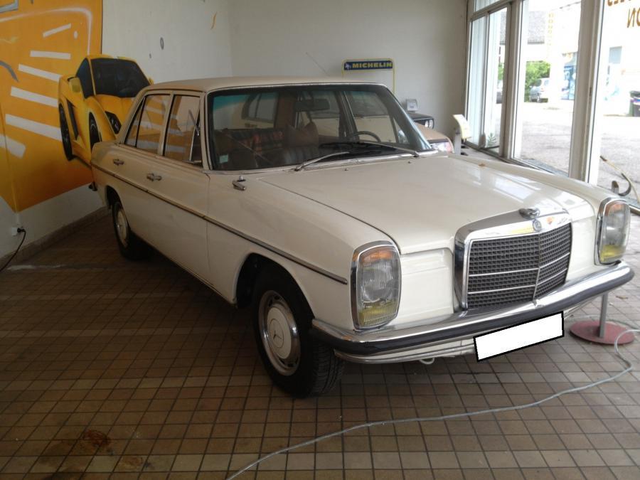 Troc Echange Mercedes 220 W114 Berline 5 Portes Essence De