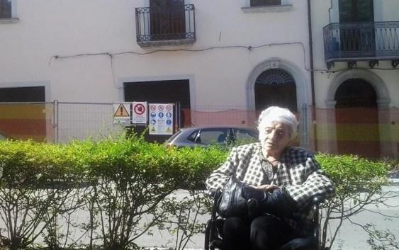 Inenarrabile odissea per zia Fifina, la 92enne non riesce a tornare a casa sua